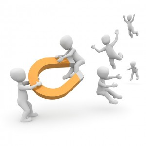 customer-magnet-1019871_640
